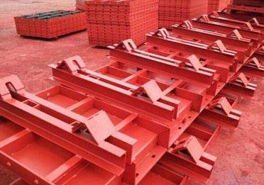 钢模板安拆过程中需要注意的问题